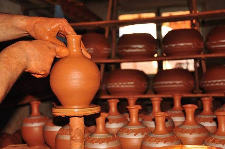 Karacasu Kırmızı Eller Çömlek Festivali
